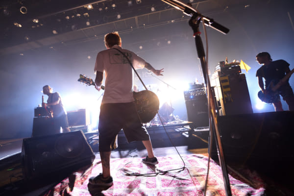 Ken Yokoyama、10月10日発売の3年ぶり最新作「Songs Of The Living Dead」から新曲「I Fell For You, Fuck You」初オンエア決定!