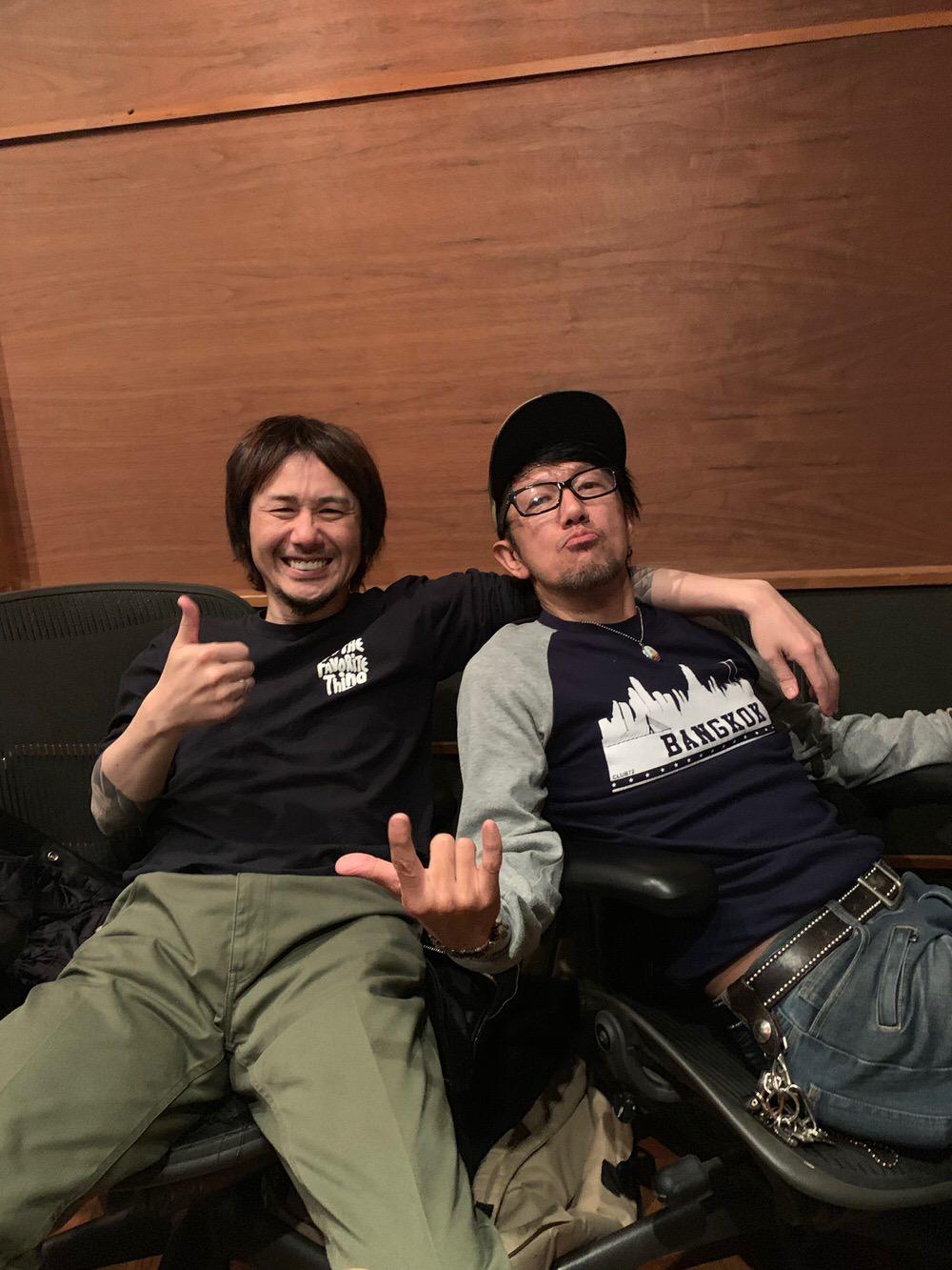 スタジオから宮本さんが帰ってしまった後も Do you remember? を聴いて盛り上がる Jun Gray とオレ